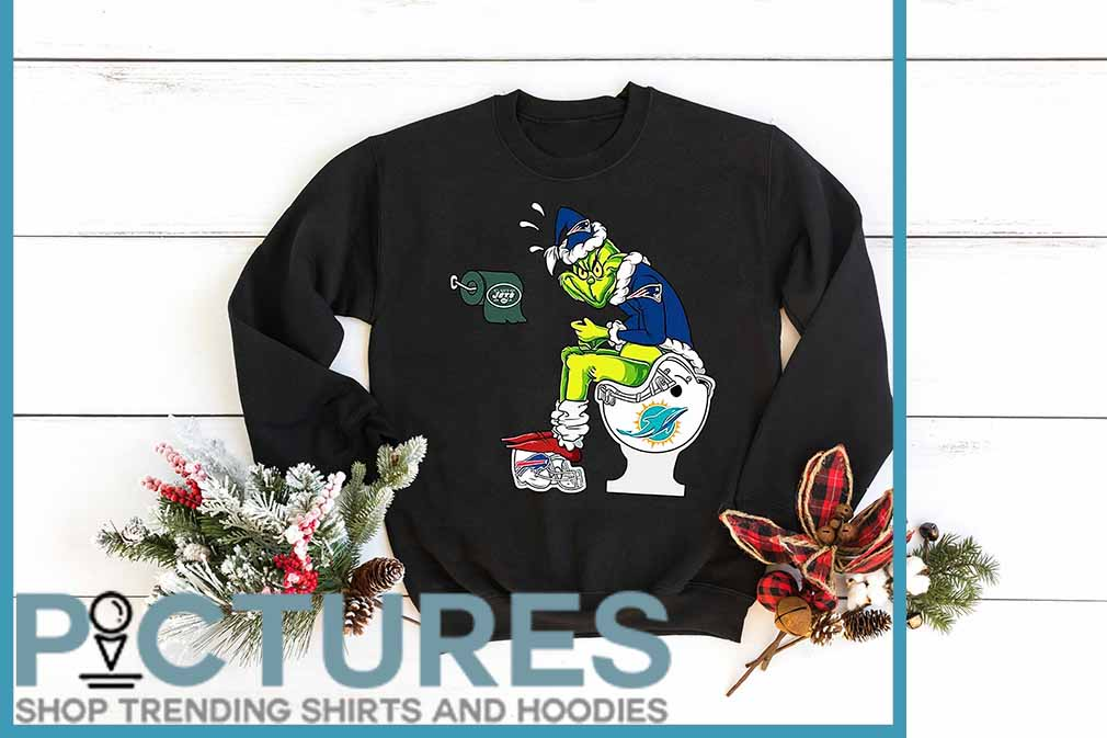 Grinch Sitting On Miami Dolphins Toilet And Step On New England Patriots Helmet shirt